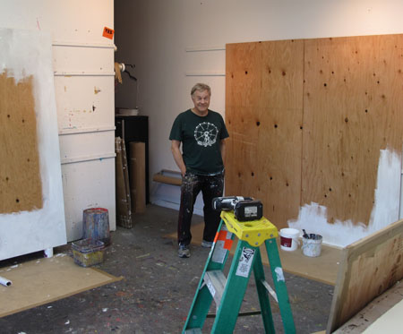 Moveable Walls For Working On Large Art